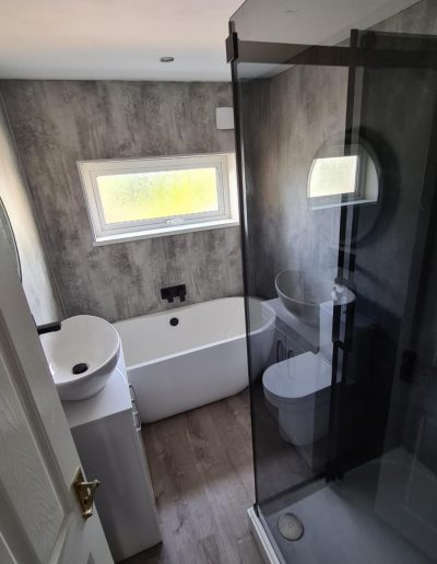 Kitchen and Bathroom Installations gallery - Modern style bathroom - Freeflow heating and plumbing