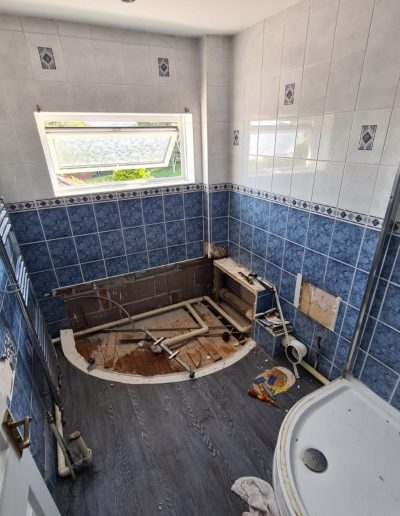 Kitchen and Bathroom Installations gallery - New Bathroom installation with ocean colour scheme - Freeflow heating and plumbing