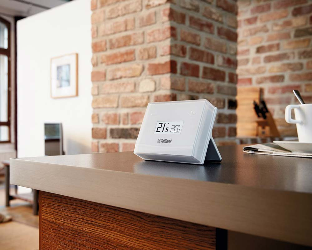 Smart-Thermostats-Plymouth---Thermostat-on-Kitchen-worktop---Freeflow-Plumbing-and-Heating